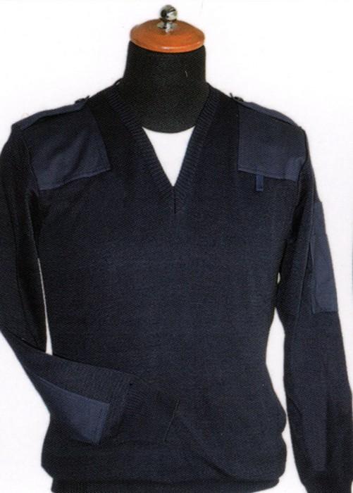maglione con collo a v