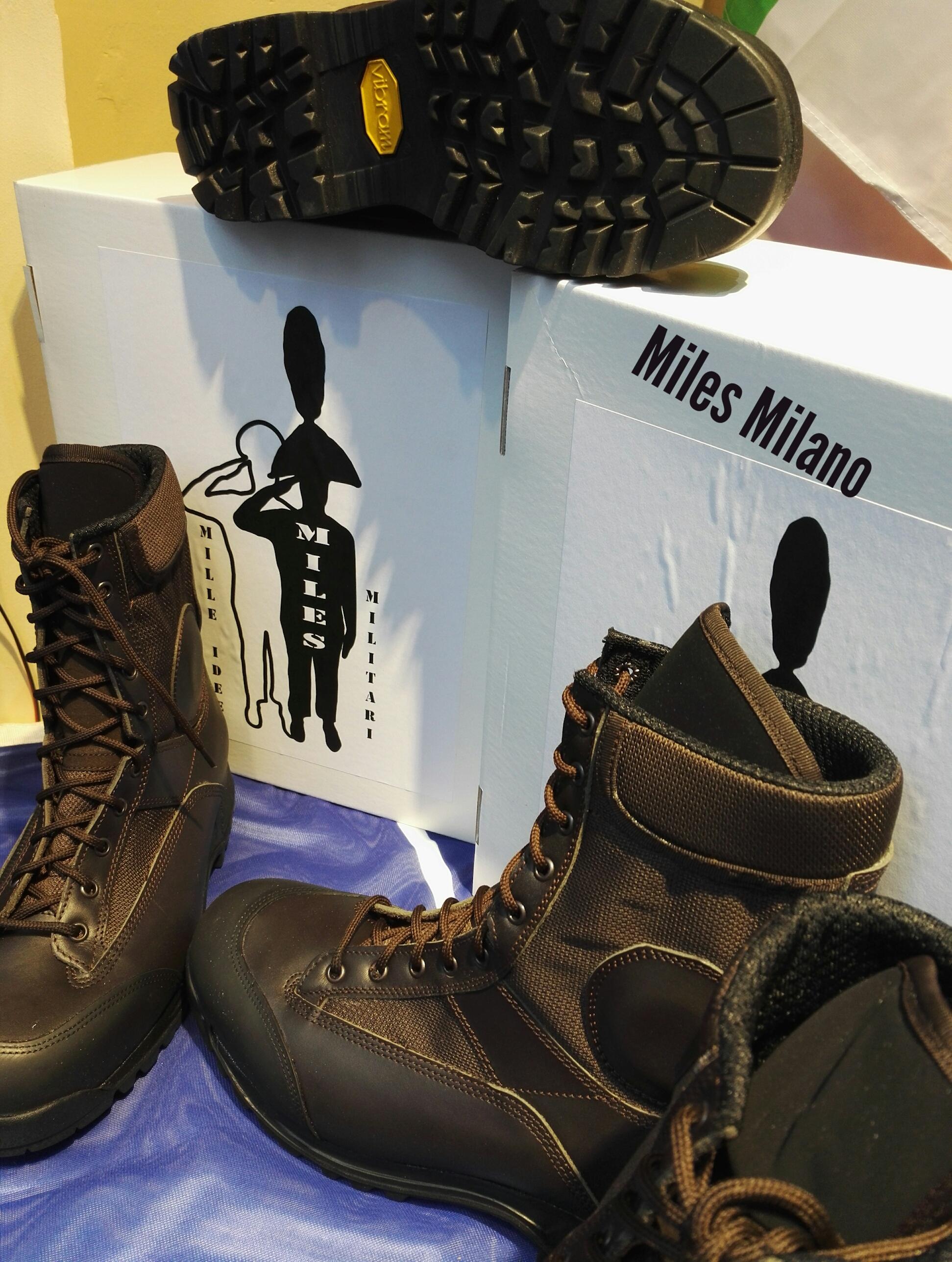 Anfibi stivali in pelle suola gomma originali mili likesx